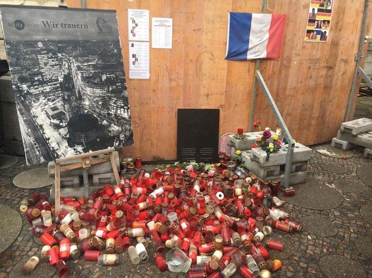 Mahnmal für die Opfer vom Breitscheidplatz auf unwürdige Weise entsorgt