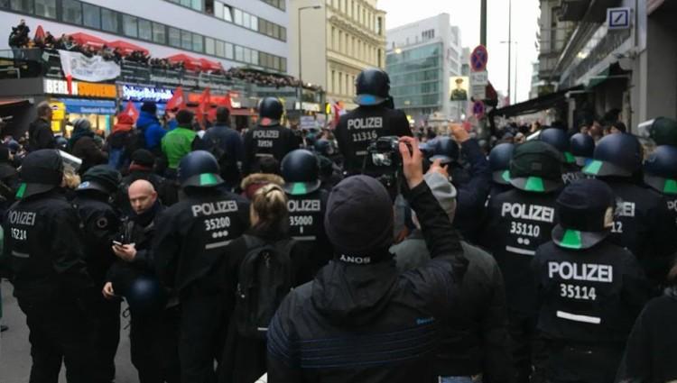 Polizei (2)