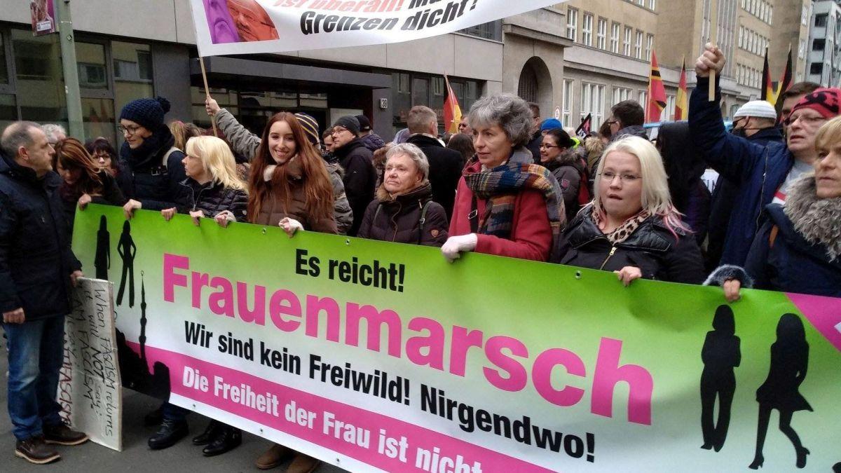 Prominente Publizisten solidarisieren sich mit friedlichen Demonstranten für rechtsstaatliche Grenzsicherung