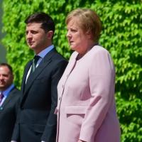 Angela Merkel: schwer krank oder nur völlig dehydriert?