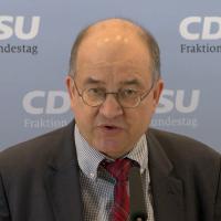 CDU/CSU-Fraktionsvize vergleicht aktuelle Zustände mit DDR- und NS-Diktatur
