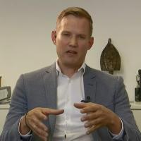 """Hendrik Streeck räumt mit Thesen von """"Querdenkern"""" und Impfgegnern auf"""