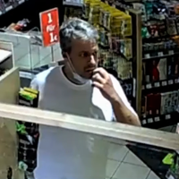 Wegen Maskenpflicht: 49-Jähriger schießt 20-jährigem Tankwart gezielt in den Kopf